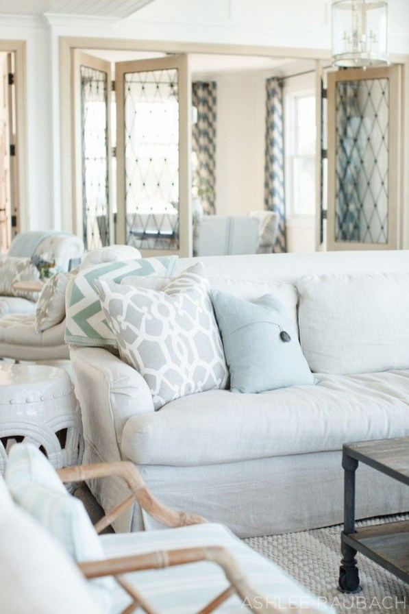 Perfect Coastal Living Room Ideas24