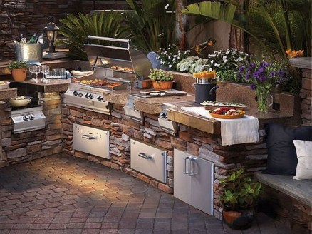 Perfect Outdoor Kitchen Ideas Make Guest Excited13