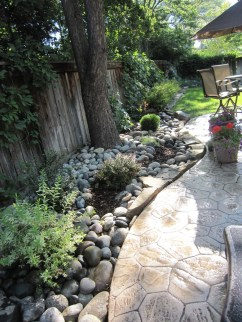 Pretty Grassless Backyard Landscaping Ideas21