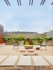 Pretty Grassless Backyard Landscaping Ideas25