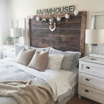 Romantic Rustic Farmhouse Bedroom Design And Decorations Ideas24