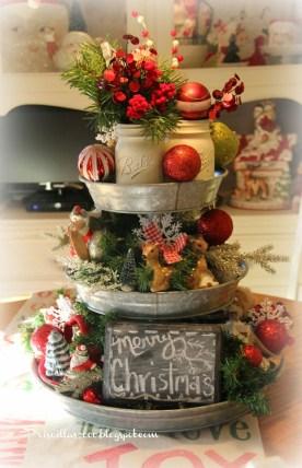 Amazing Farmhouse Christmas Decor15