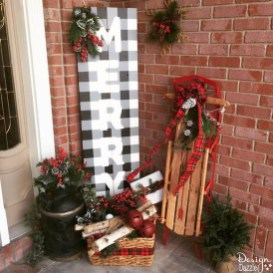 Amazing Outdoor Christmas Ideas For Porch Décor18