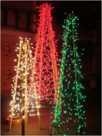 Amazing Outdoor Christmas Trees Ideas 05