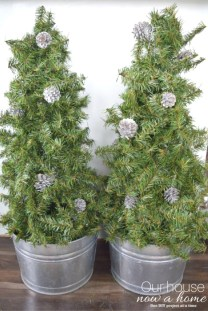 Amazing Outdoor Christmas Trees Ideas 20