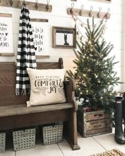 Awesome Farmhouse Christmas Ideas01