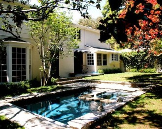 Cozy Swimming Pool Design Ideas For Your Home Backyard25