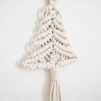 Diy Wall Christmas Tree Ideas33