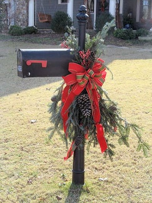 Excellent Outdoor Christmas Decorations Ideas38