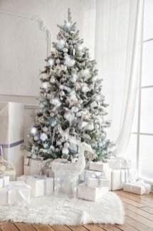 Fascinating White Vintage Christmas Ideas39