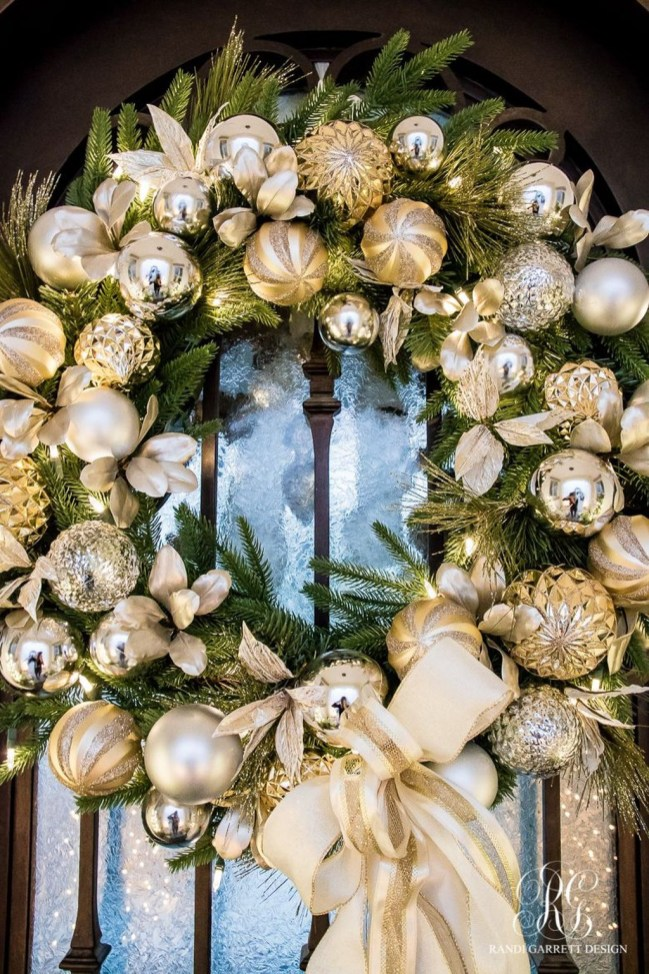 Inspiring Christmas Wreaths Ideas For All Types Of Décor01