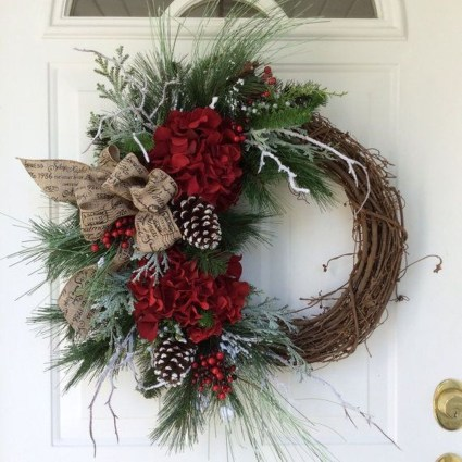 Inspiring Christmas Wreaths Ideas For All Types Of Décor09