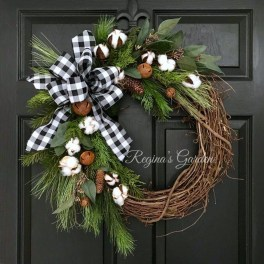 Inspiring Christmas Wreaths Ideas For All Types Of Décor34