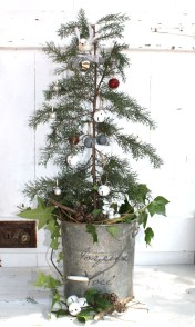 Minimalist Small Tree In A Bucket Ideas For Christmas19