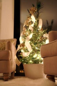Minimalist Small Tree In A Bucket Ideas For Christmas39