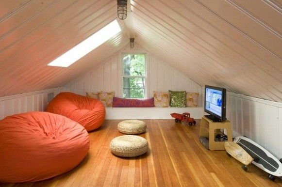 Modern Attic For Christmas11