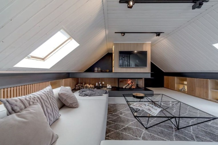 Modern Attic For Christmas28
