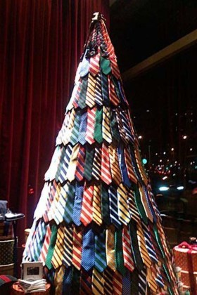 Modern Christmas Tree Alternatives Ideas27
