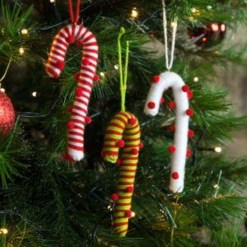 Perfect Candy Cane Christmas Decor Ideas For Your Home30