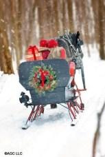 Unique Sleigh Decor Ideas For Christmas10