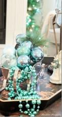 Unique Sleigh Decor Ideas For Christmas11