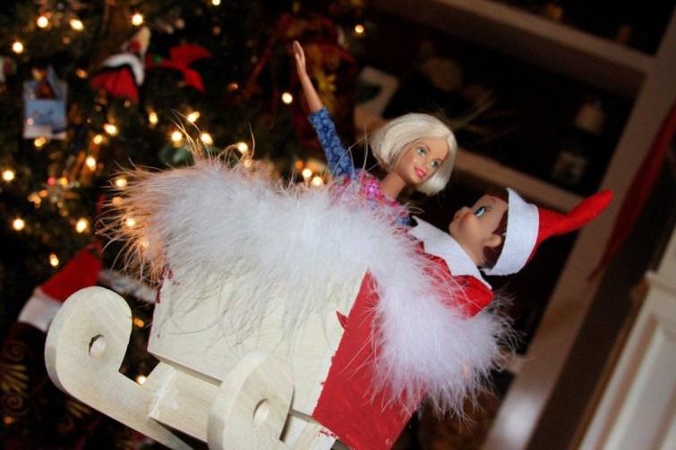 Unique Sleigh Decor Ideas For Christmas14