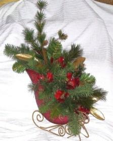 Unique Sleigh Decor Ideas For Christmas25