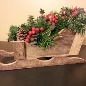 Unique Sleigh Decor Ideas For Christmas27