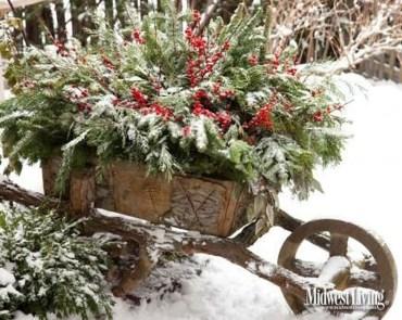 Unique Sleigh Decor Ideas For Christmas32