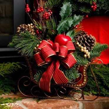 Unique Sleigh Decor Ideas For Christmas33