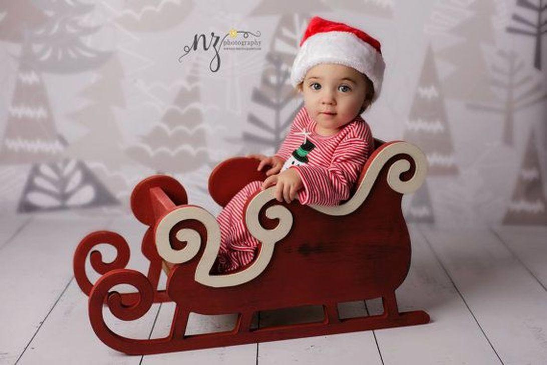 Unique Sleigh Decor Ideas For Christmas46