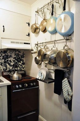 Amazing Small Apartment Kitchen Ideas07