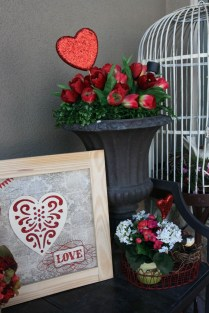 Amazing Valentine Porch Ideas02
