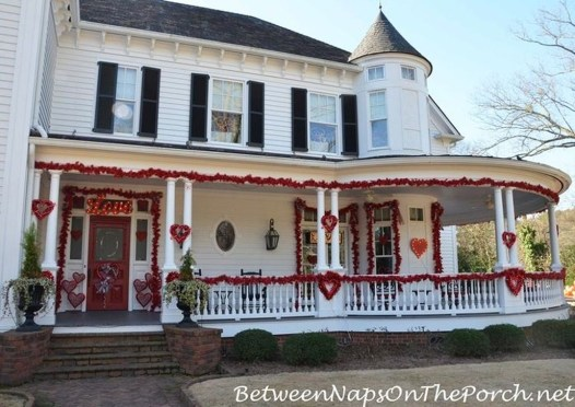 Amazing Valentine Porch Ideas06