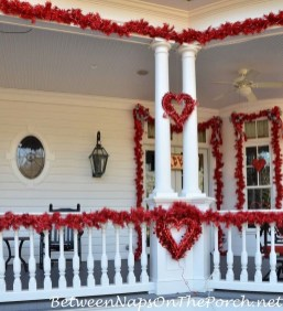 Amazing Valentine Porch Ideas18