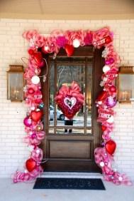 Amazing Valentine Porch Ideas19