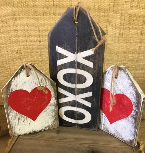 Amazing Valentine Porch Ideas49