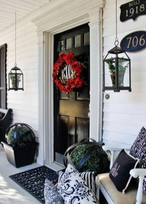 Amazing Valetine Frontyard Ideas15