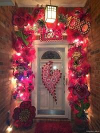 Amazing Valetine Frontyard Ideas44