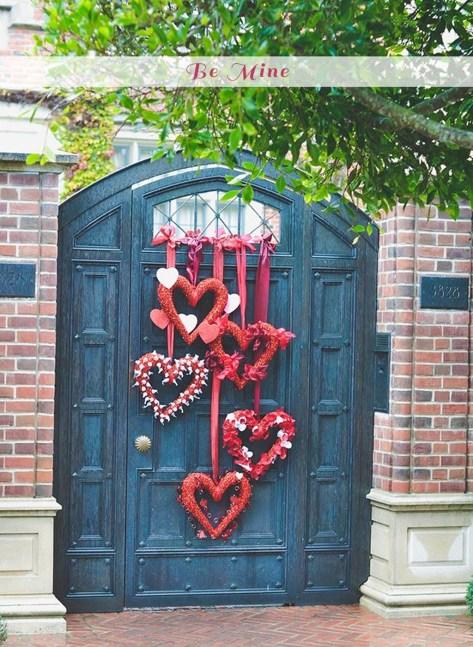 Amazing Valetine Frontyard Ideas45