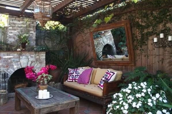 Awesome Rustic Balcony Garden09