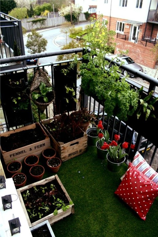 Awesome Rustic Balcony Garden12