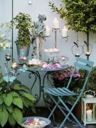 Awesome Rustic Balcony Garden26