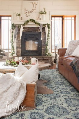 Awesome Winter Living Room Ideas29