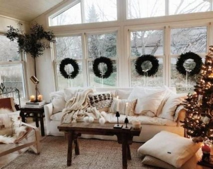 Awesome Winter Living Room Ideas35
