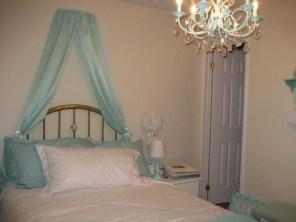 Elegant Blue Themed Bedroom Ideas18