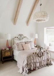 Inspiring Vintage Bedroom Decorations03