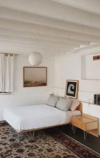 Inspiring Vintage Bedroom Decorations15