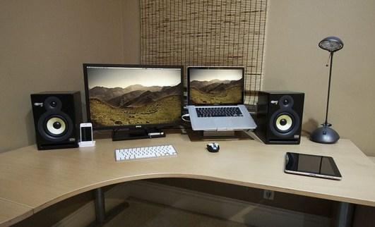 Simple Workspace Design Ideas18