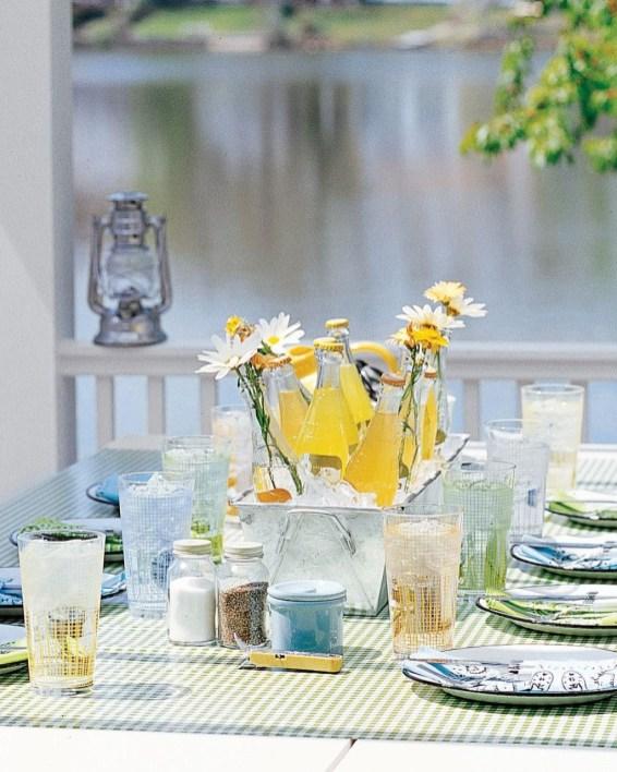 Amazing Diy Ideas For Fresh Wedding Centerpiece36